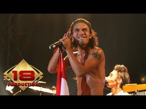 Slank - Solidaritas Slank  (Live Konser Kota Bumi Lampung 29 Juni 2006)