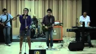 Video Bengawan SoLo (Cover Ver. Goznod Band) at Fx Senayan Road to JavaJazz 2010 download MP3, 3GP, MP4, WEBM, AVI, FLV Juli 2018