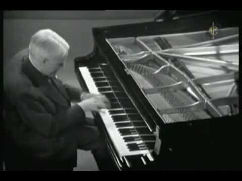 Perlemuter-Ravel Toccata aus Le tombeau de Couperin [revised]