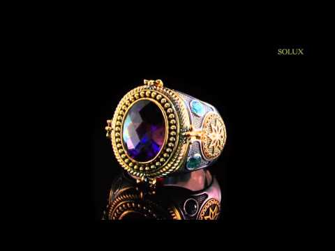 Кольцо Принцесса из золота с топазом