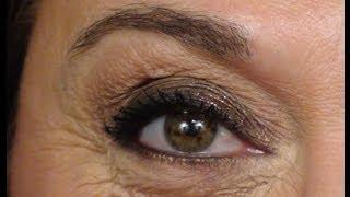 Look de soirée avec paillettes (peau avec rides ou ridules) | **Maquillage Temps des Fêtes**