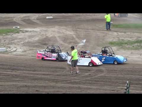 Mini Wedge Heat Race #2 at Mt. Pleasant Speedway on 06-15-18.