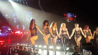 BRITNEY SPEARS - CIRCUS/IF U SEEK AMY/BREATHE ON ME/SLUMBER PARTY/TOUCH OF MY HAND - LIVE IN SG