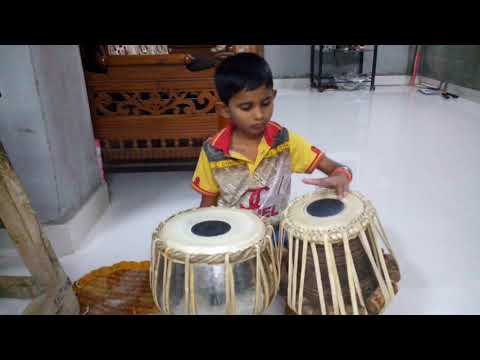 Lai bhari film song  mauli mauli playing on tabla