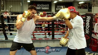WATCH JOSE RAMIREZ KILL THE MITTS W/POWERFUL COMBOS WITH NEW TRAINER ROBERT GARCIA