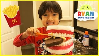 Pretend Play Children Activities Brushing Teeth Learning Toys for Kids Eating McDonald's Food Gross