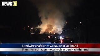 05.04.2017 (R) Feuerschein über nächtlichem Asing: Landwirtschaftliches Gebäude in Vollbrand