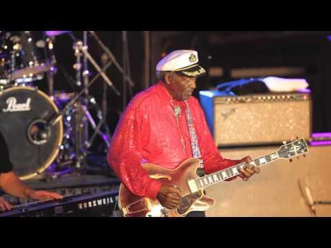 St. Louis: Chuck Berry performs