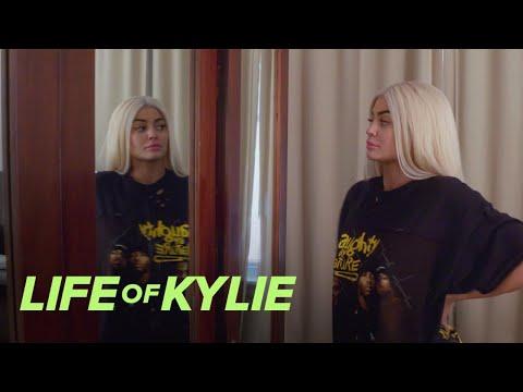 Donatella Versace Picks Kylie Jenner's Met Gala Hair Color | Life of Kylie | E!