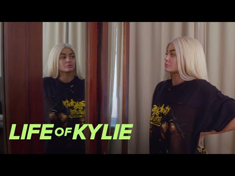 Donatella Versace Picks Kylie Jenner's Met Gala Hair Color   Life of Kylie   E!