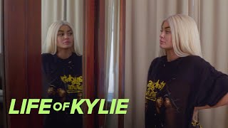 donatella versace picks kylie jenners met gala hair color life of kylie e