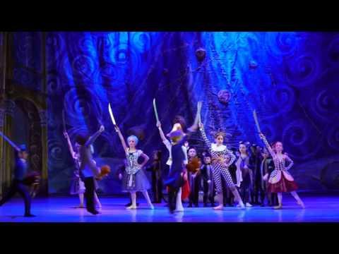 "Детский балет ""Щелкунчик"". Бой с мышами"