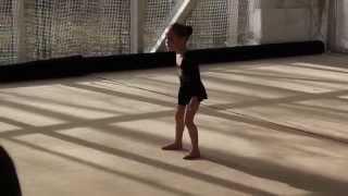 Маленькая гимнастка 2009 год рождения. Выступление апрель 2014 (4года)