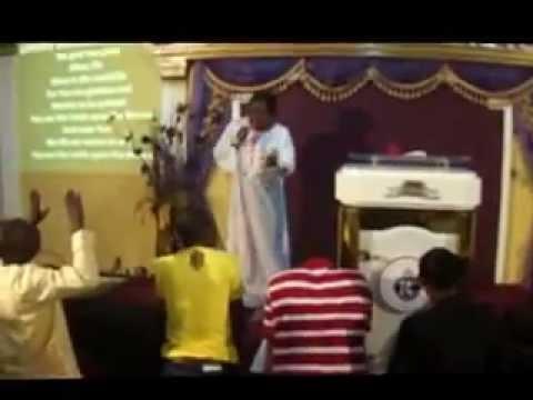 TEE-Y PRAIZE (WORSHIP)