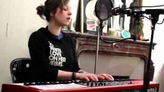 Anna Aaron - Running Up That Hill (Froggy's Session)