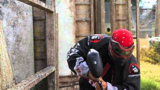Parkour / Free Runner vs. Paintball