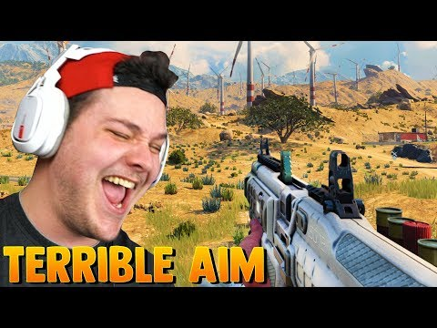 FAT NOOB TRIES CALL OF DUTY BLACKOUT (laughably bad aim) thumbnail