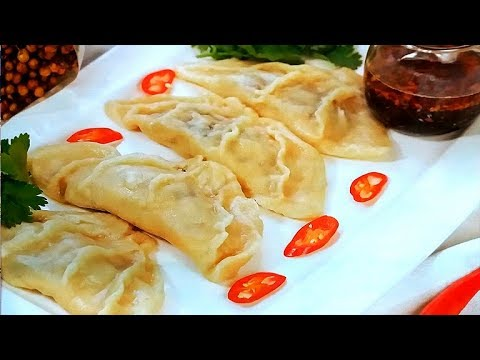 try-thai-chicken-dumplings-with-cabbage.-thailand.-pattaya.