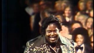 Barry White Wins Favorite Male Soul Artist - AMA 1976