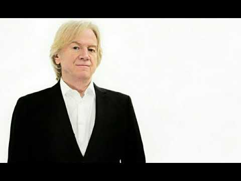 Justin Hayward - Talks About The Moody Blues, Touring, Marty Wilde & More - Radio Broadcast 01/09/19