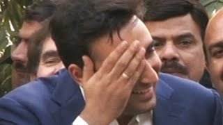 Bilawal forgets slogan during media talks - Watch video