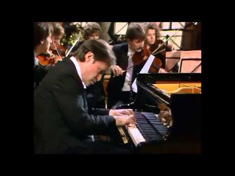 "Mozart | Piano Concerto No. 26 in D major, ""Coronation"""