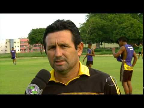 Herbert Henrique entrevista Maradona, técnico do Tiradentes