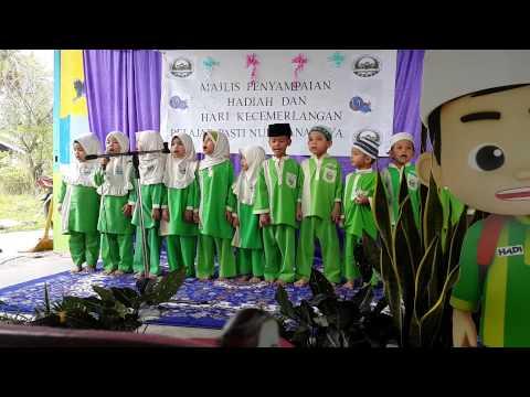Pelajar PASTI Nur Hana menghafal Surah Al Mulk