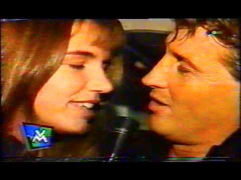 El video de vicky xipolitakis devolviendo los favores cuando empezaba en la tvhearts - 3 9