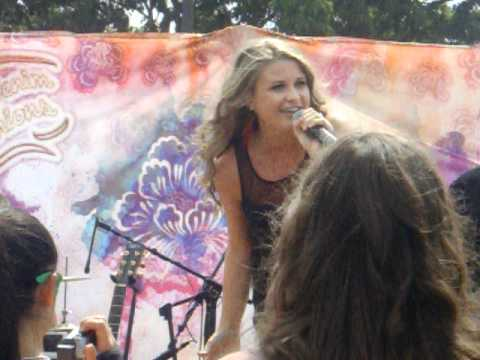 Savannah Outen Live - Rolling in The Deep