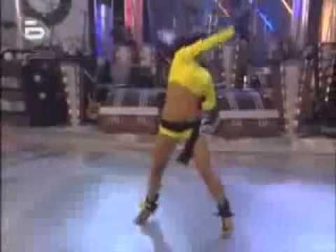 Ce fel danseaza fata.wmv