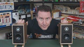 eevblog-1162-little-british-monitors