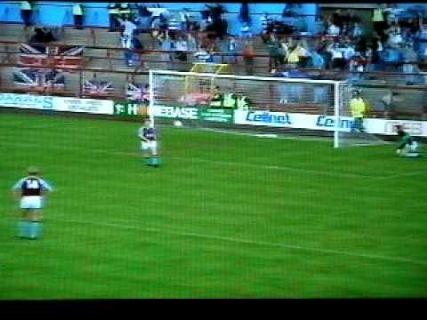 Aston Villa 1 QPR 3 - 23 Sept 1989 - Trevor Francis hat trick