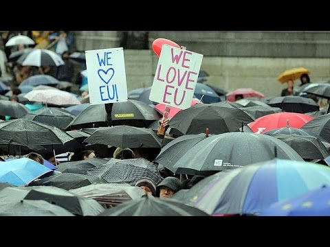 Protesta anti Brexit a Londra, in migliaia a Trafalgar Square