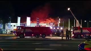 Brandweer Nunspeet prio 1 met tankwagen groot naar zeer grote brand Soesterberg voeding crashtenders