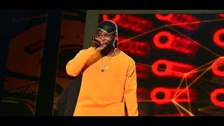 Video: FALZ gets much love from the crowd at the Afrima Awards 2017 Full performance