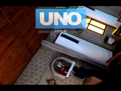 Exclusivo: el video donde se ve el robo de las limosnas en la Iglesia San José