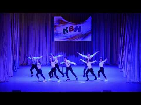 """Команда """"В отрыв"""". Приветствие. Гимназия №5, г.Северобайкальск. КВН, школьная лига, полуфинал."""