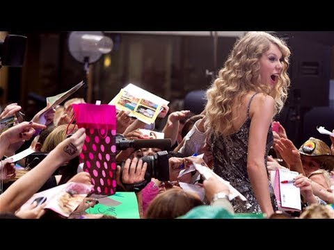 When Taylor Swift Goes Out in Public