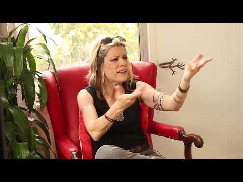 Donita Sparks interview clip