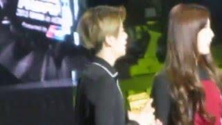 15.12.2 Ailee, Jackson & EXO in waiting area (fx winning award) @MAMA 2015-HK