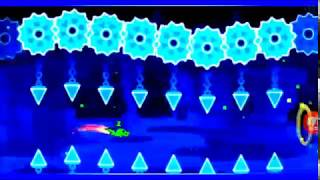 Solid Ice by swagPiguis ( geometry dash )