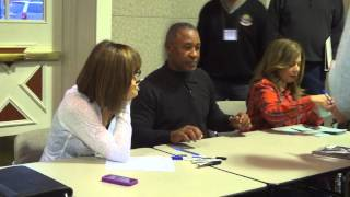 Ozzie Smith Signing Autographs - iFolloSports.com