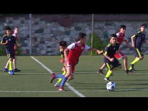 В Таджикистане открыли футбольный лагерь для детей