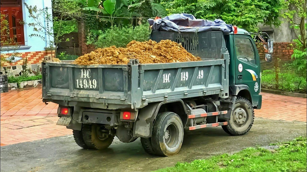 Xe Ô Tô Tải Ben Chở Đất Bị Sa Lầy, Máy Xúc Doosan Làm Việc | Excavator Truck | TienTube TV