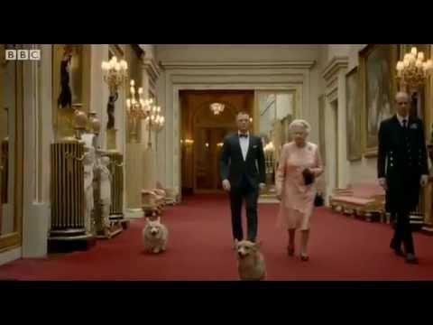Daniel Craig James Bond and Queen Elizabeth Parachute Into London Olympics  Ceremony 2012