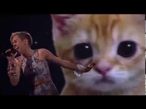 MILEY CYRUS   American Music Awards 2013 Performance   WRECKING BALL
