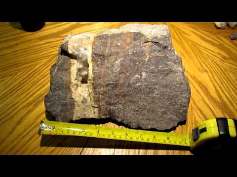QUARTZ VEIN GOLD ORE SPECIMEN ~ FROM GOLD MINE