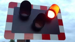 *VERY Broken/Faulty Alarm* Cradley Heath Station Level Crossing (W.Mids) 20/07/2017