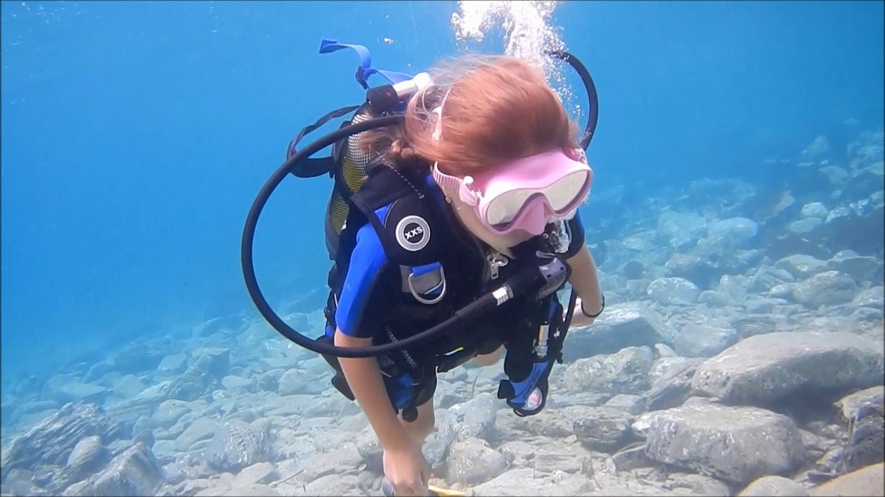 PADI Bubblemaker course for 8 and 9 years old kids! - YouTube
